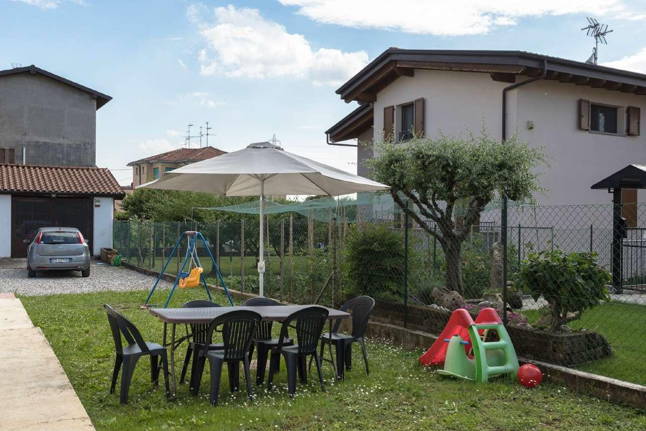 Appartamento in vendita a Brembate, 3 locali, prezzo € 125.000 | CambioCasa.it