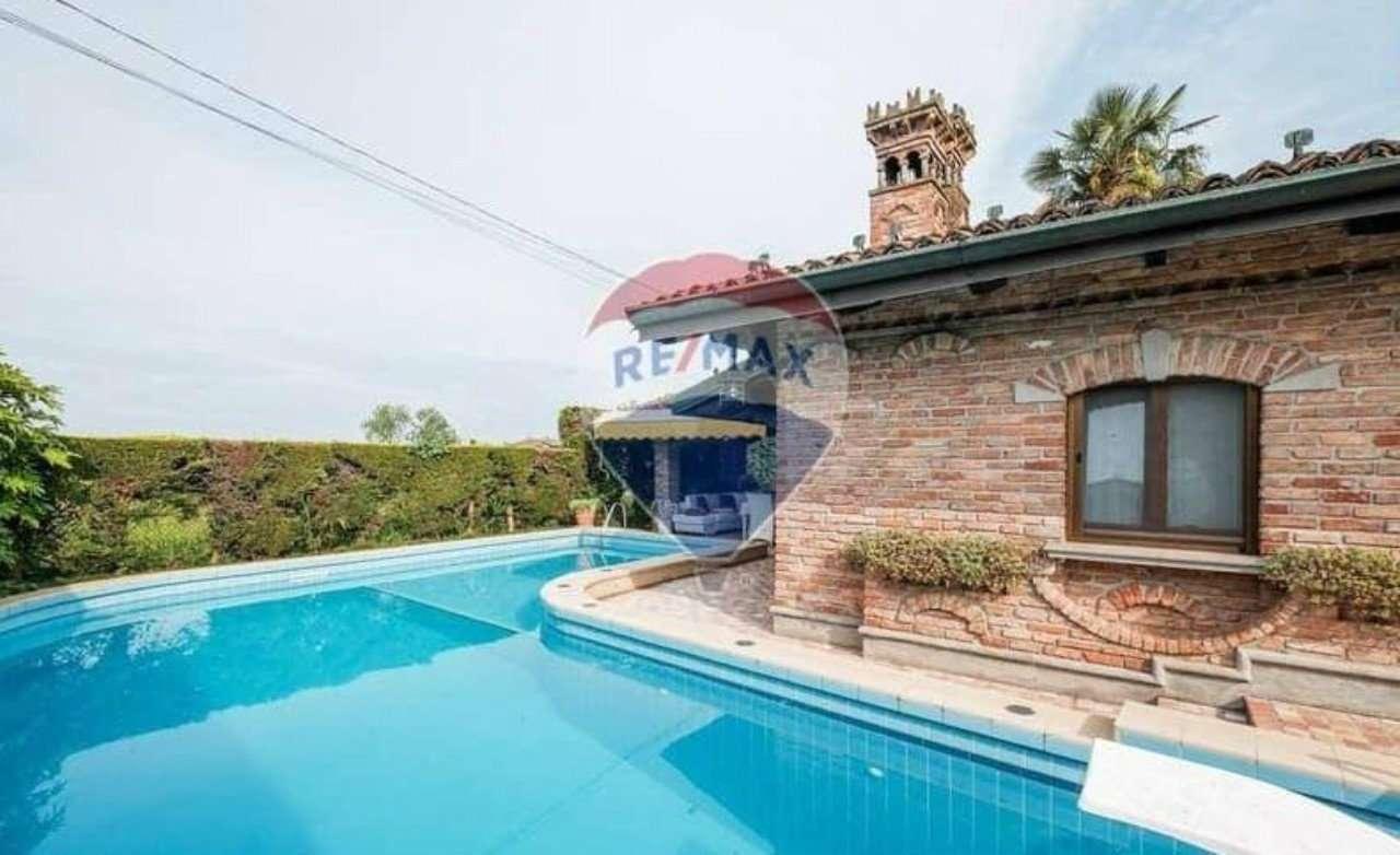 Villa in vendita a Cividate al Piano, 5 locali, prezzo € 750.000 | PortaleAgenzieImmobiliari.it