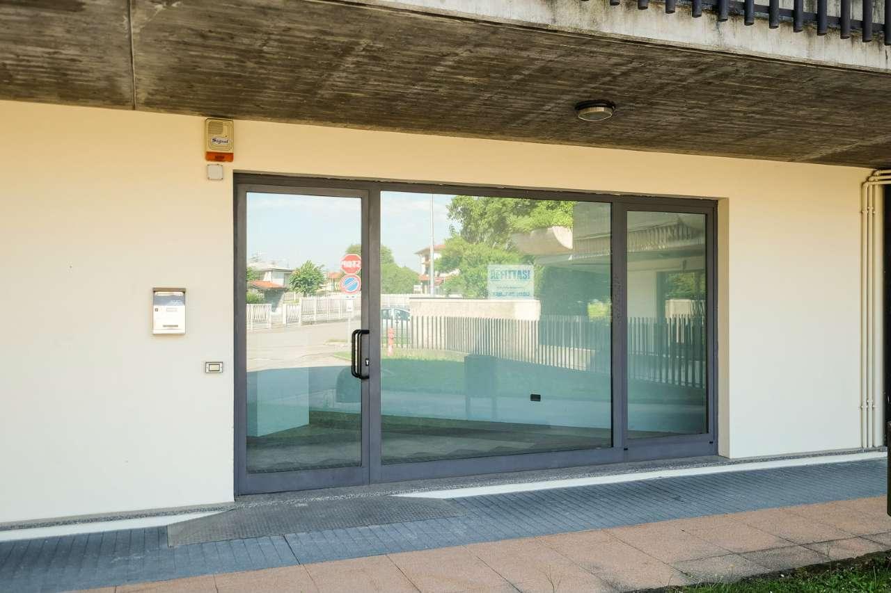 Negozio / Locale in vendita a Medolago, 1 locali, prezzo € 72.500 | PortaleAgenzieImmobiliari.it