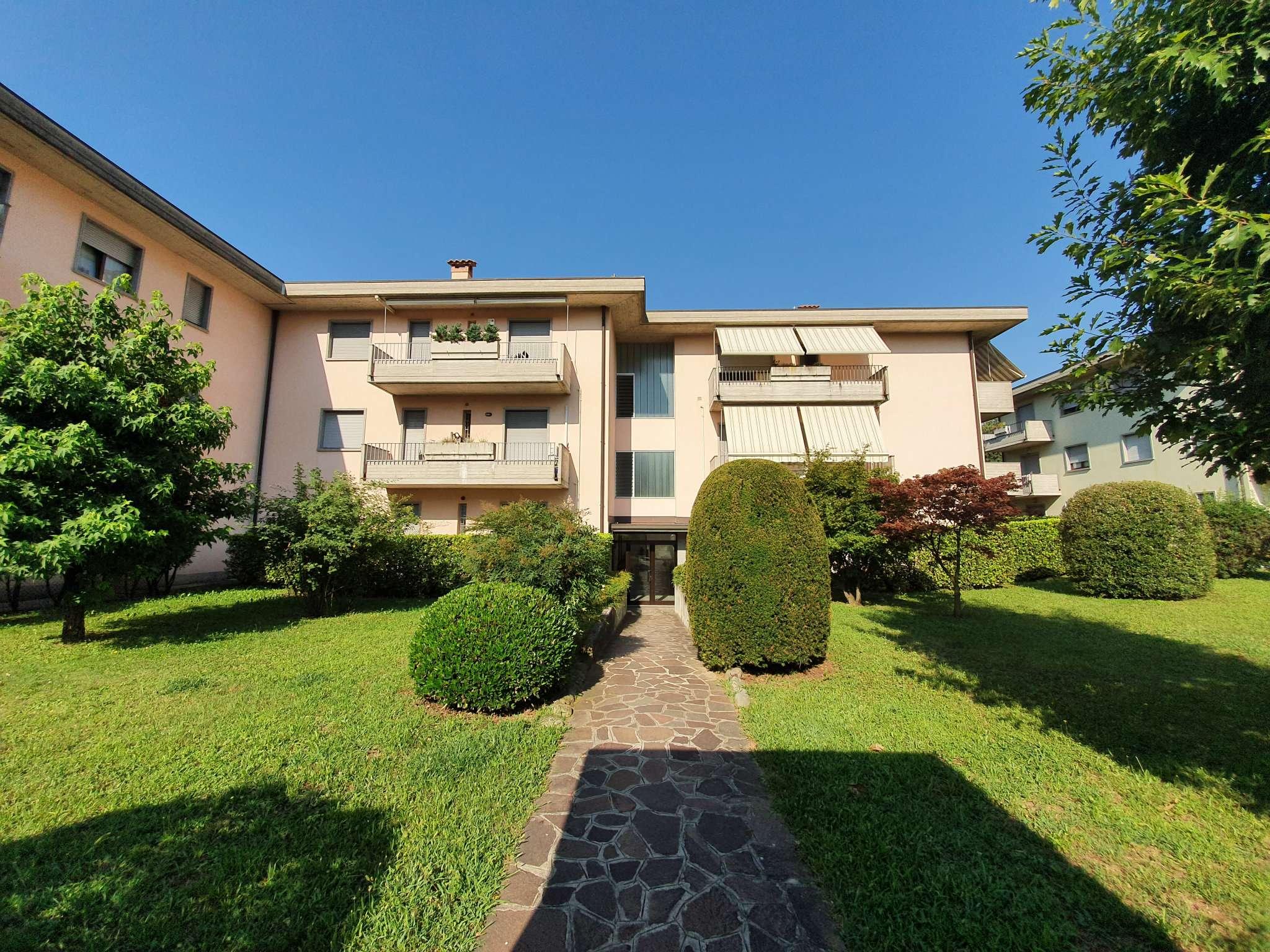 Ufficio / Studio in affitto a Mozzo, 3 locali, prezzo € 500 | PortaleAgenzieImmobiliari.it