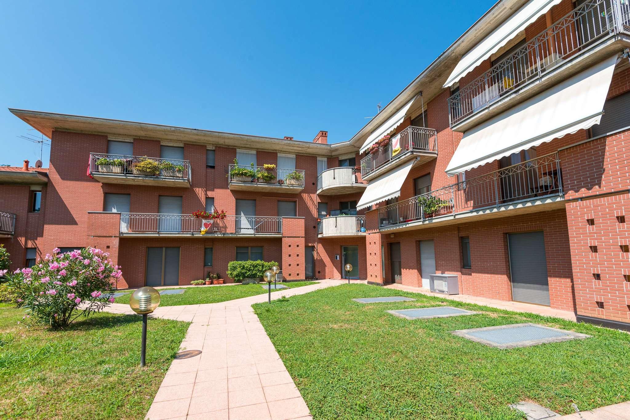 Appartamento in vendita a Mozzo, 3 locali, prezzo € 145.000   CambioCasa.it