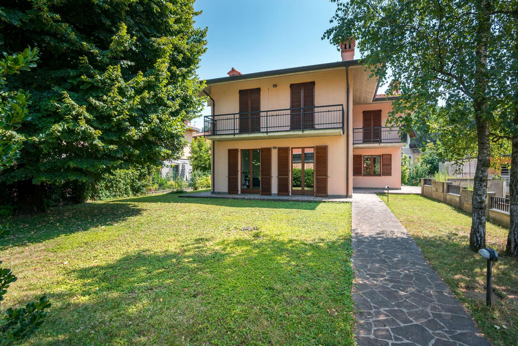 Villa in Vendita a Mozzo