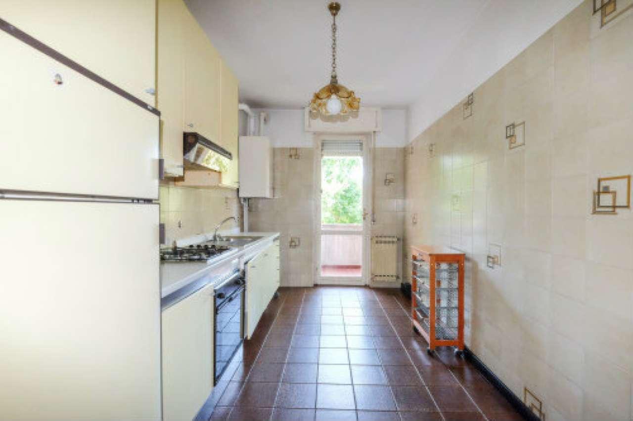 Appartamento in vendita a Mozzo, 3 locali, prezzo € 139.000   CambioCasa.it