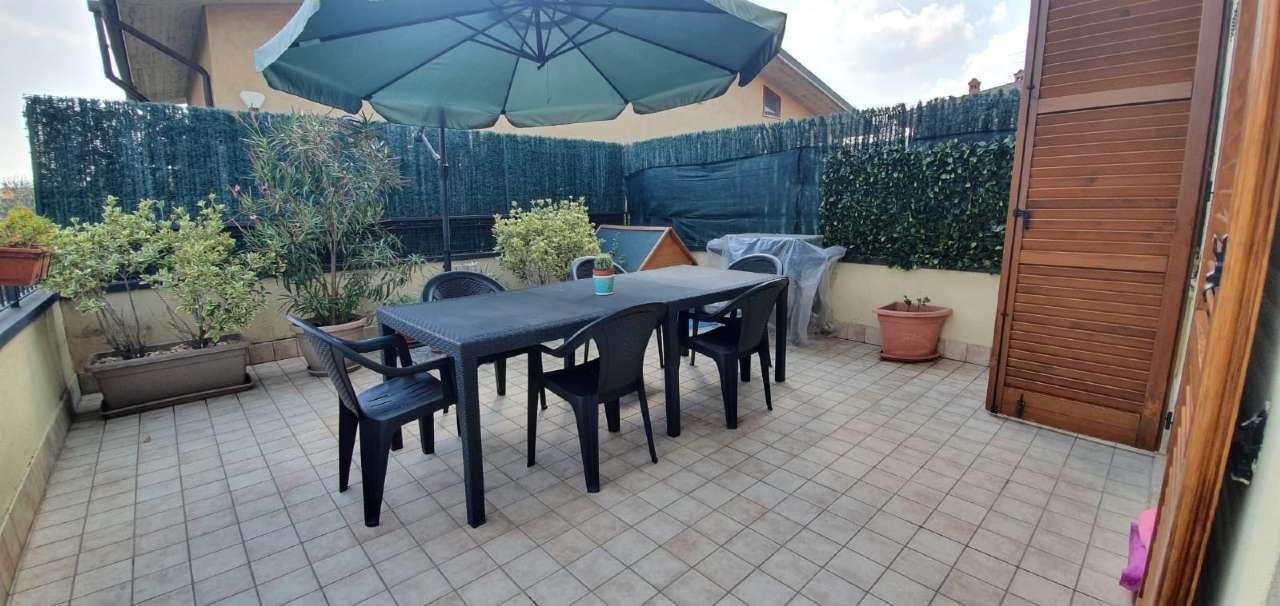 Appartamento in vendita a Boltiere, 3 locali, prezzo € 117.000 | CambioCasa.it