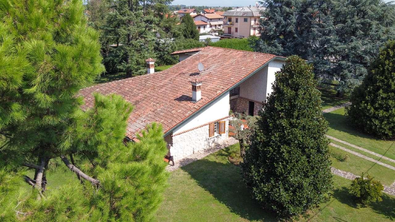 Villa in Vendita a Castel Rozzone