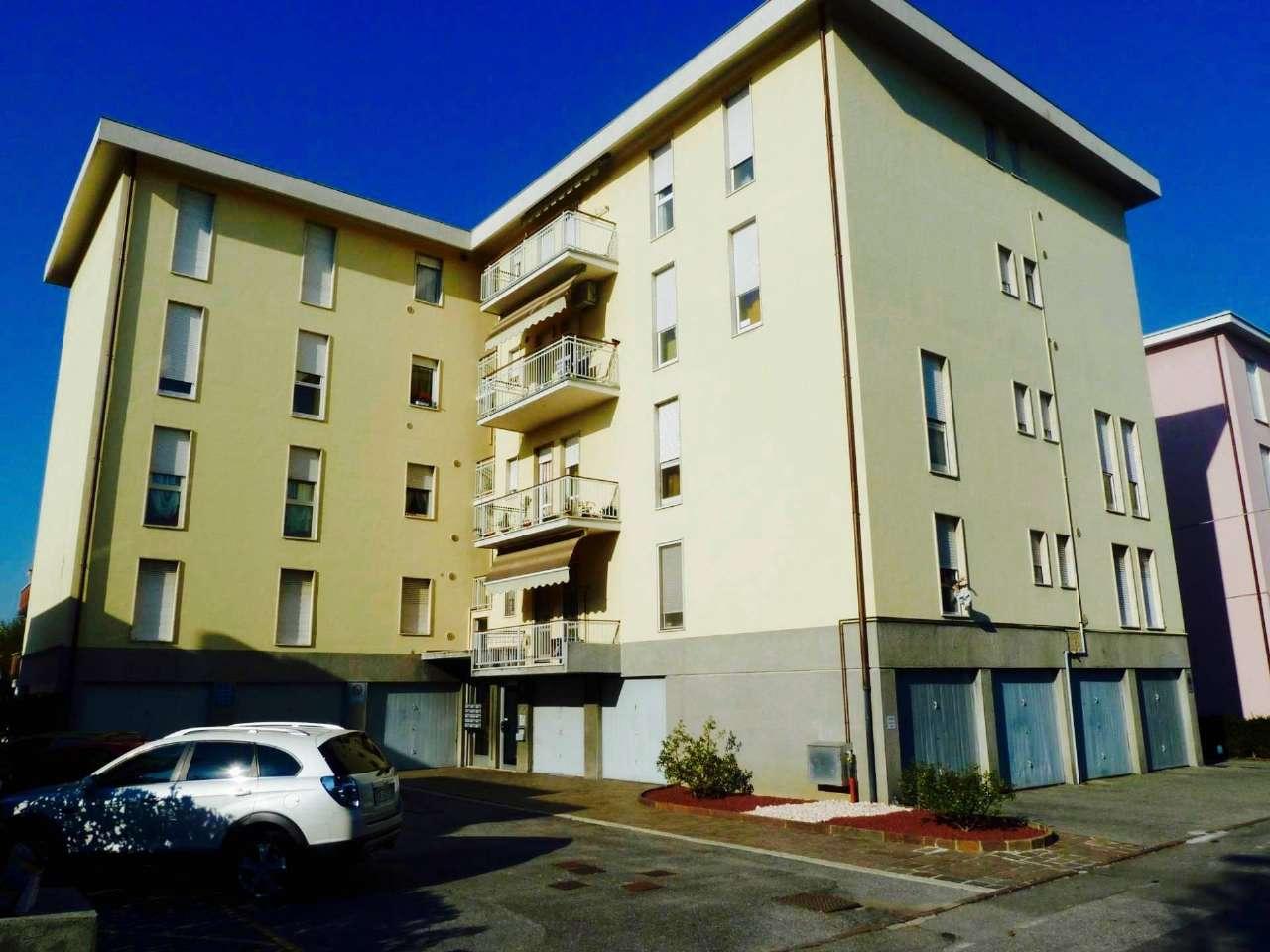 Appartamento in vendita a Ponte San Pietro, 4 locali, prezzo € 109.000 | CambioCasa.it