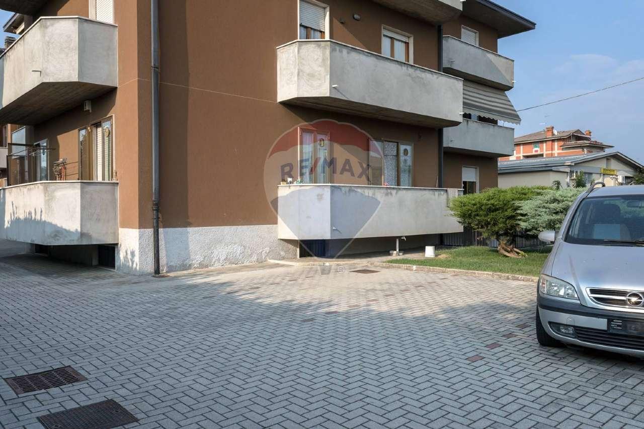 Appartamento in vendita a Bonate Sotto, 4 locali, prezzo € 125.000 | PortaleAgenzieImmobiliari.it