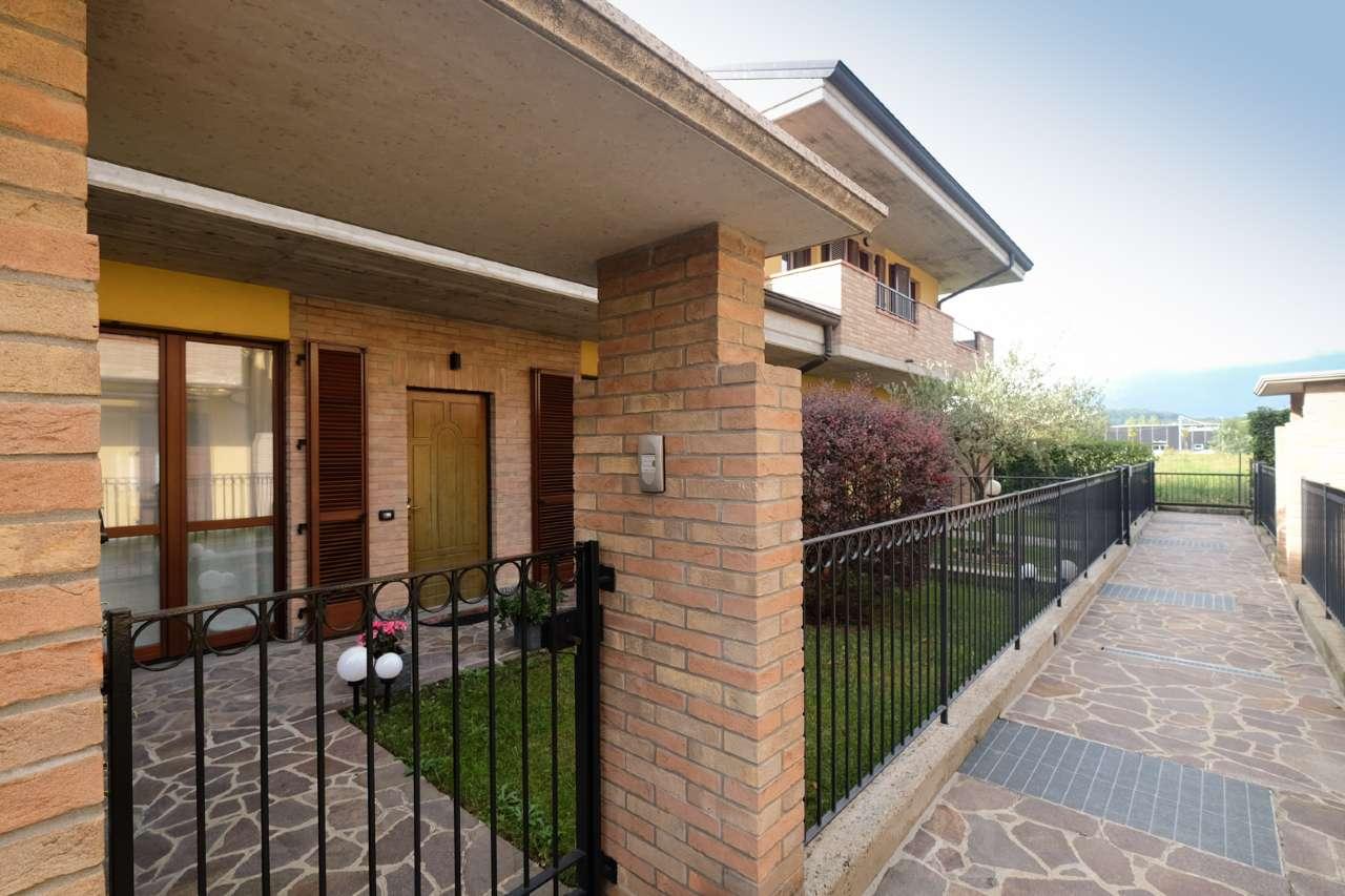 Villa a Schiera in vendita a Bonate Sopra, 4 locali, prezzo € 255.000   PortaleAgenzieImmobiliari.it