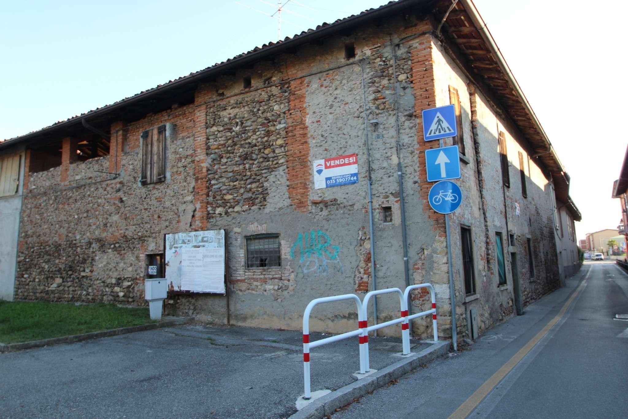 Rustico / Casale in vendita a Lallio, 13 locali, prezzo € 98.000 | PortaleAgenzieImmobiliari.it