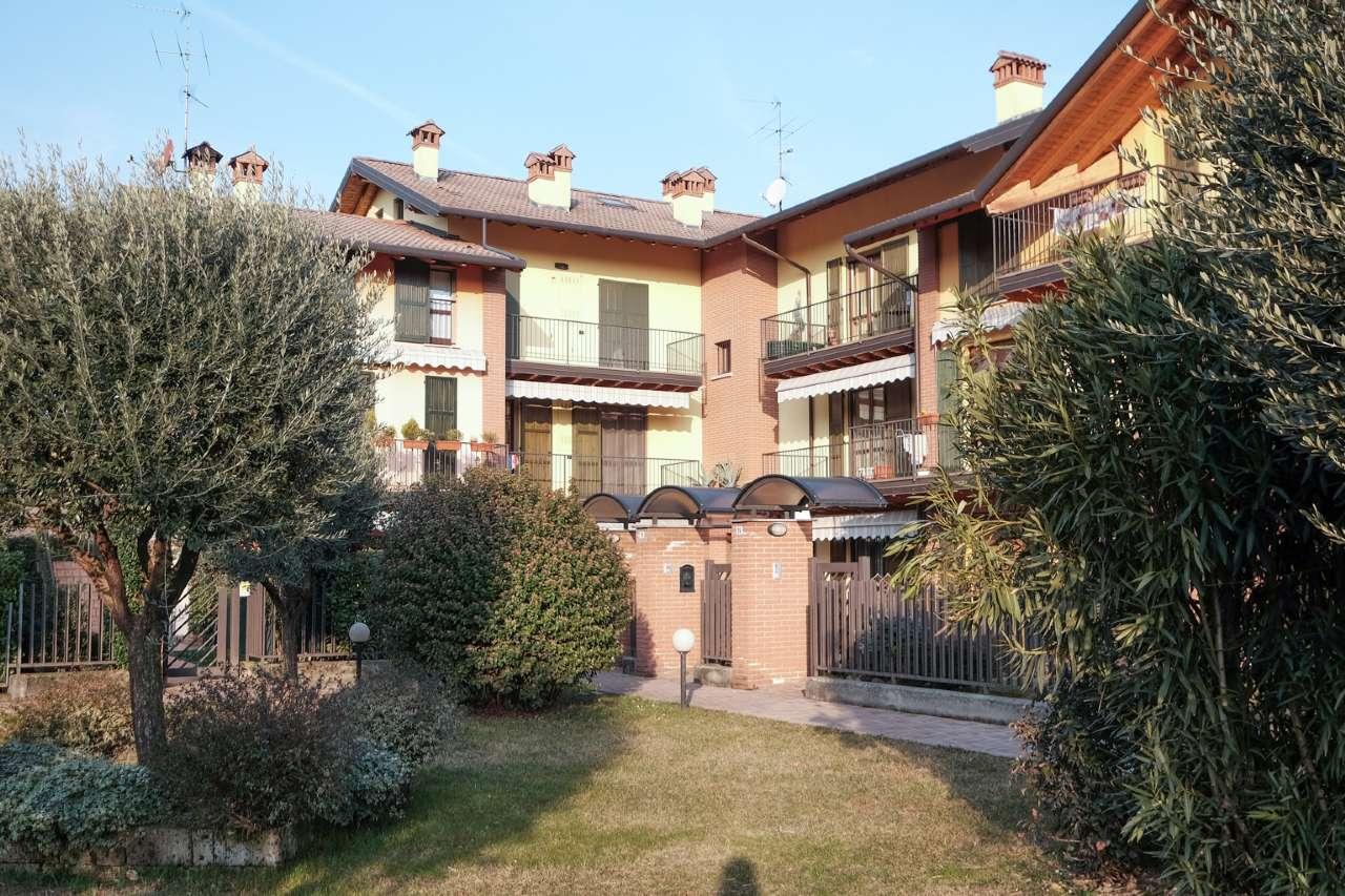 Appartamento in vendita a Brembate di Sopra, 3 locali, prezzo € 160.000 | CambioCasa.it