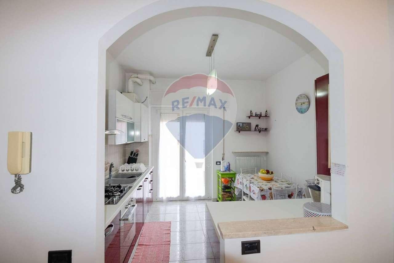 Appartamento in vendita a Bonate Sopra, 4 locali, prezzo € 119.000   PortaleAgenzieImmobiliari.it