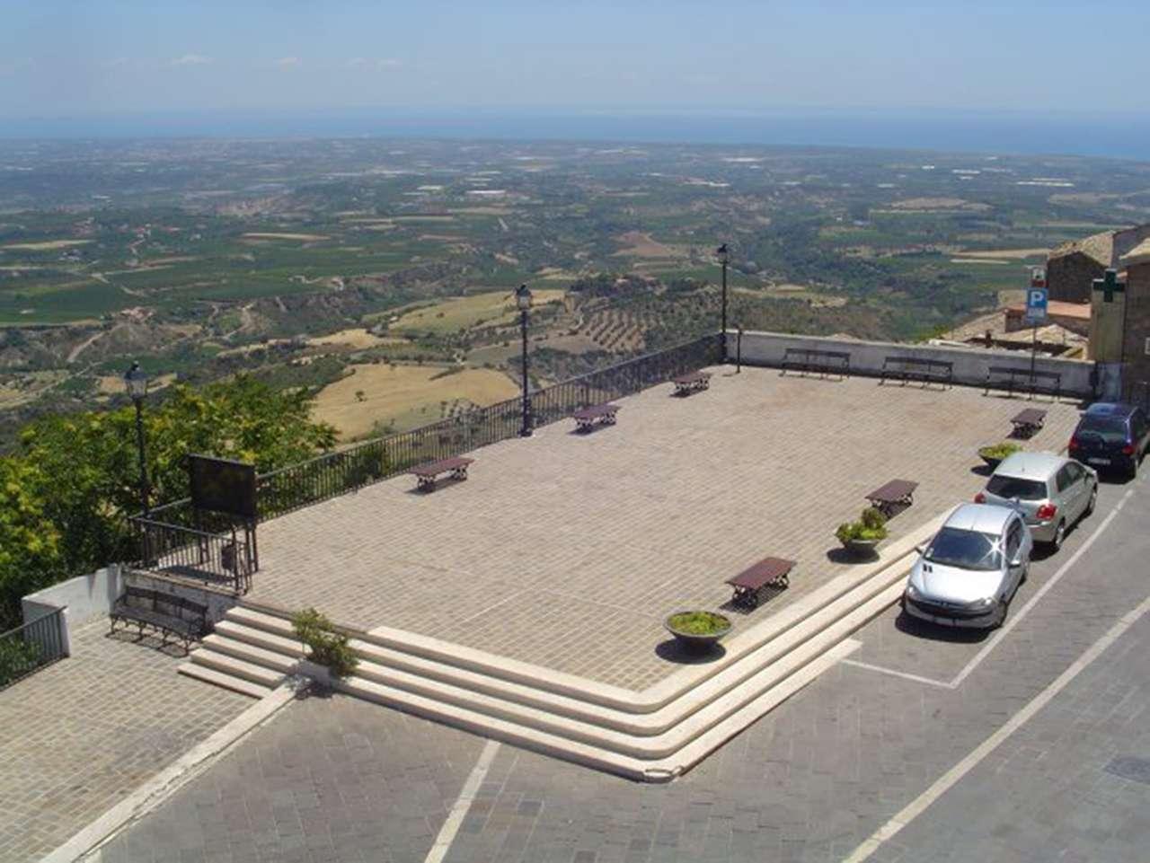 Soluzione Indipendente in vendita a Rotondella, 8 locali, prezzo € 60.000 | CambioCasa.it
