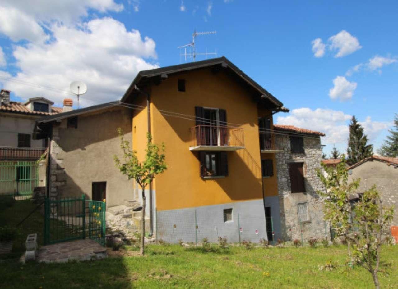 Rustico / Casale in vendita a Roncola, 6 locali, prezzo € 50.000   CambioCasa.it