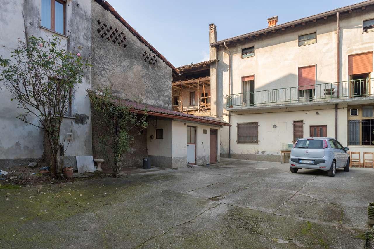 Soluzione Indipendente in vendita a Bottanuco, 12 locali, prezzo € 120.000 | PortaleAgenzieImmobiliari.it