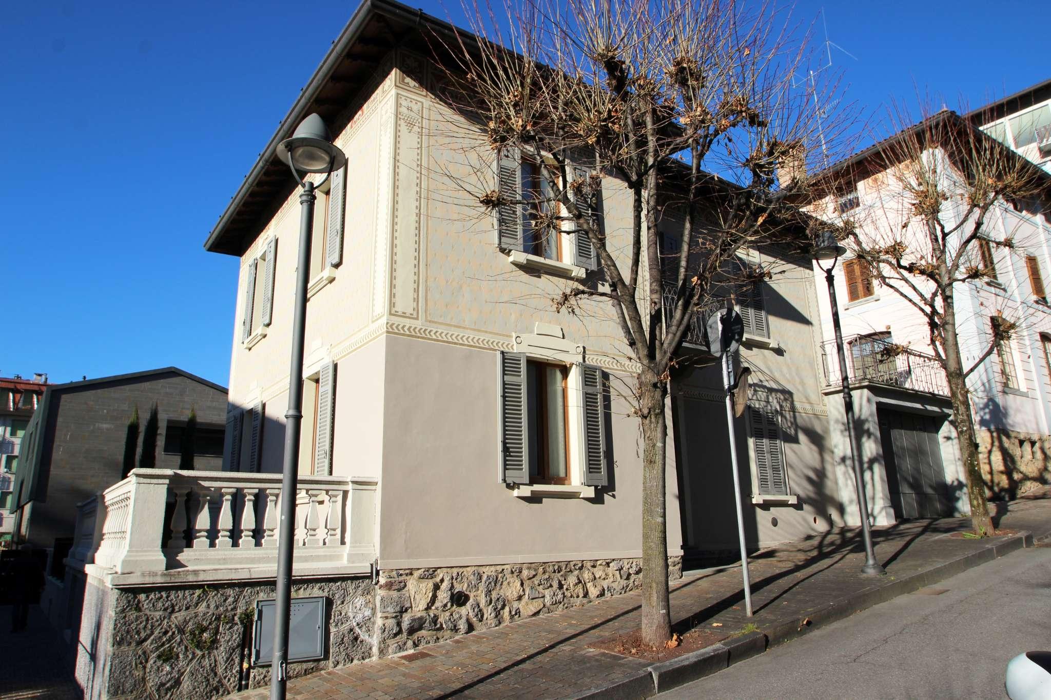 Villa in vendita a Clusone, 10 locali, prezzo € 630.000 | CambioCasa.it
