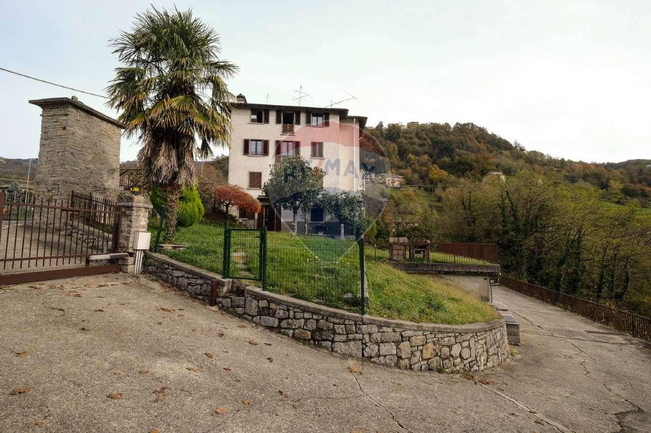 Appartamento in vendita a Corna Imagna, 3 locali, prezzo € 80.000 | CambioCasa.it