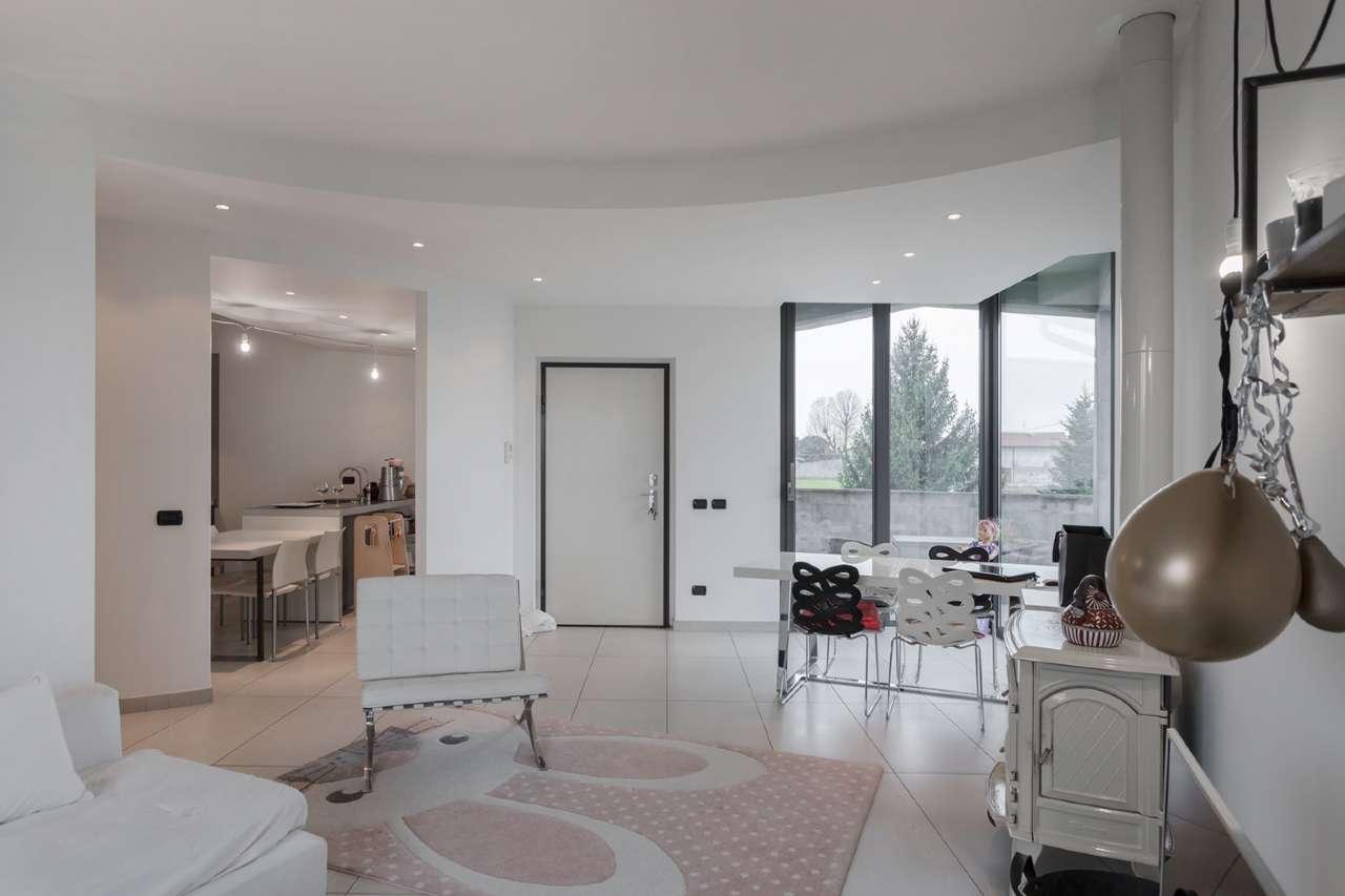 Appartamento in vendita a Chignolo d'Isola, 4 locali, prezzo € 196.000   PortaleAgenzieImmobiliari.it