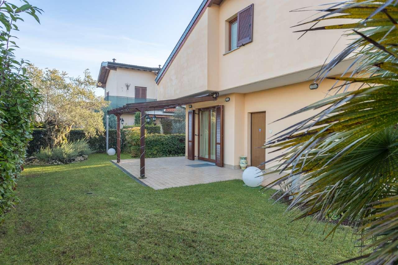 Villa a Schiera in vendita a Trezzano Rosa, 3 locali, prezzo € 260.000 | PortaleAgenzieImmobiliari.it