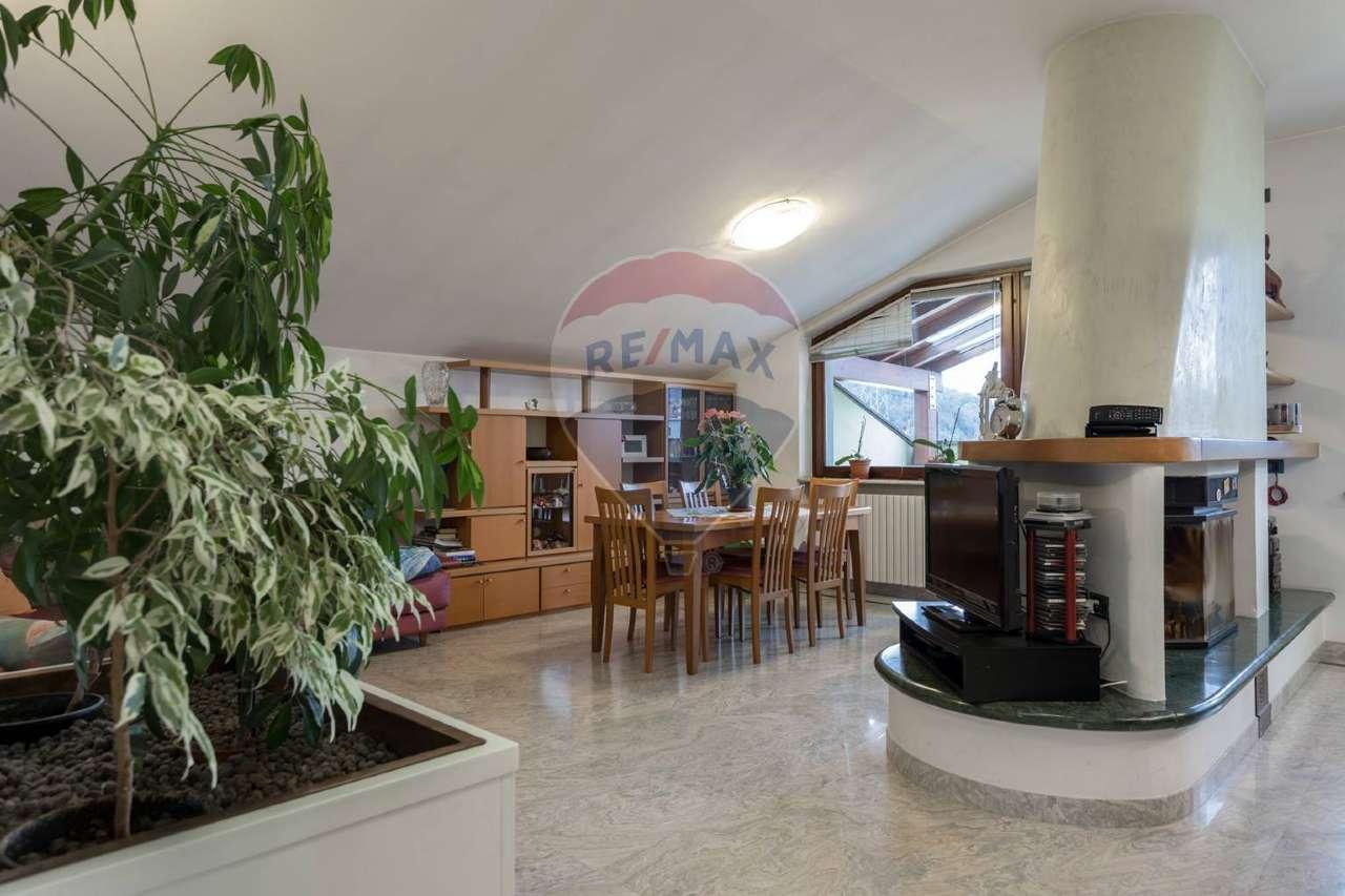 Attico / Mansarda in vendita a Nembro, 7 locali, prezzo € 100.000 | CambioCasa.it