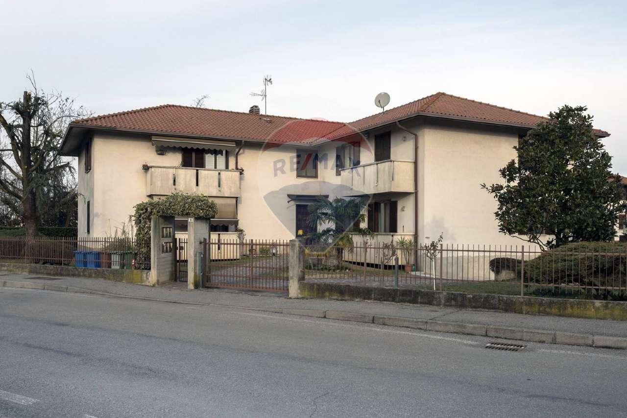 Appartamento in vendita a Boltiere, 3 locali, prezzo € 135.000 | CambioCasa.it