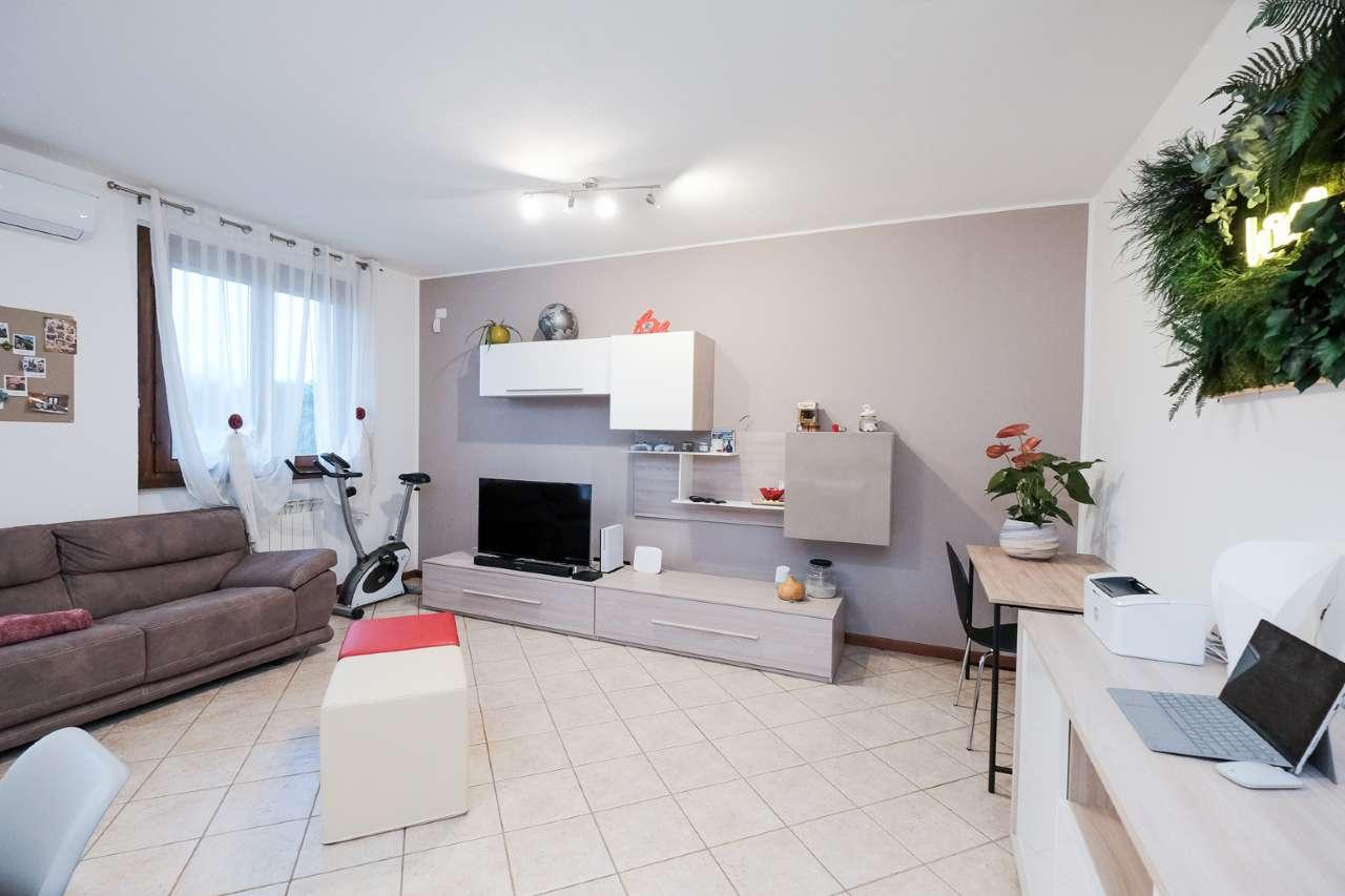 Appartamento in vendita a Brembate, 2 locali, prezzo € 104.000 | PortaleAgenzieImmobiliari.it