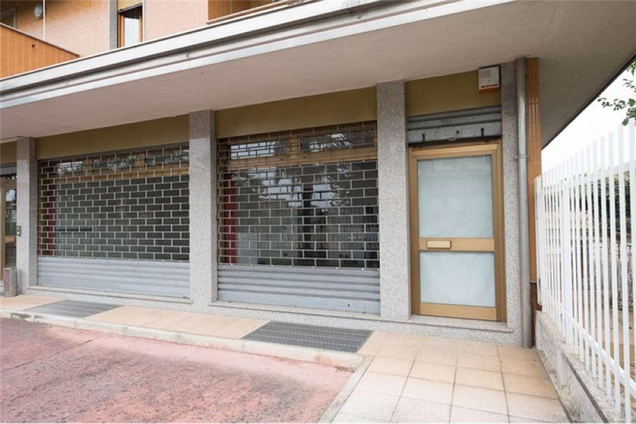 Negozio / Locale in affitto a Suisio, 2 locali, prezzo € 690 | PortaleAgenzieImmobiliari.it