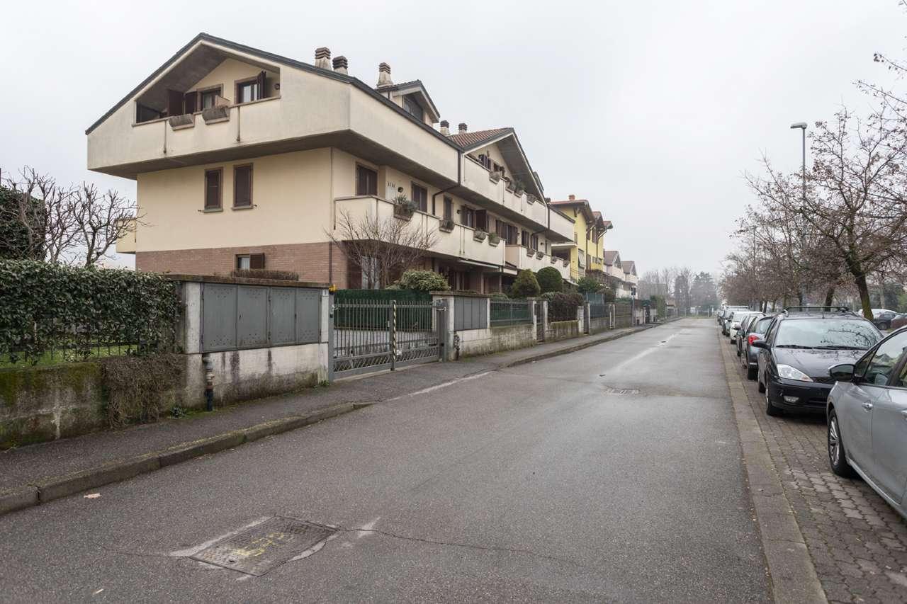 Appartamento in Vendita a Trezzano Rosa
