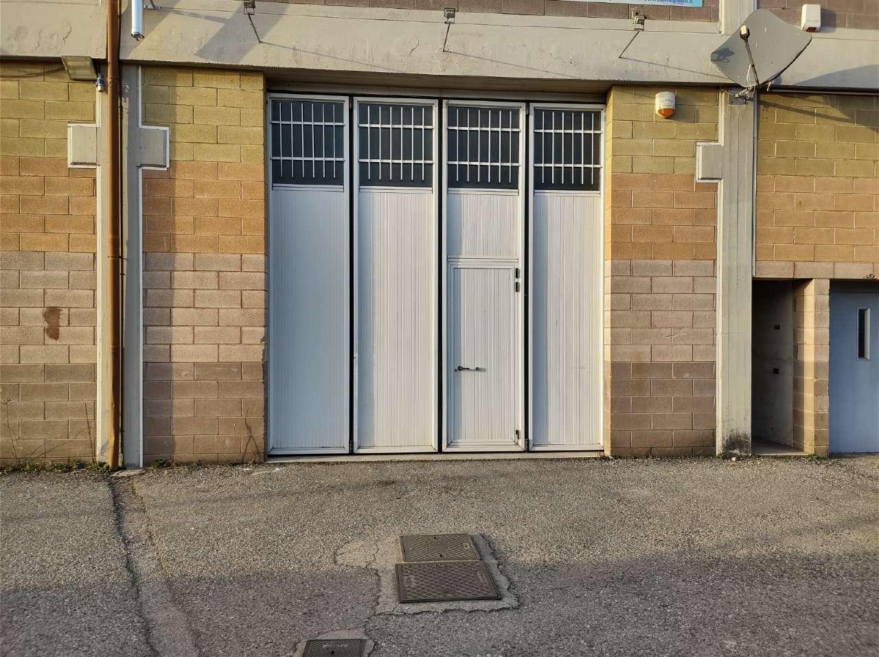 Capannone in vendita a Suisio, 1 locali, prezzo € 150.000 | PortaleAgenzieImmobiliari.it