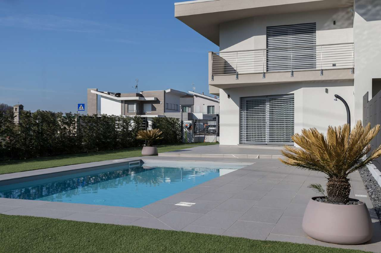 Villa Bifamiliare in vendita a Zandobbio, 8 locali, prezzo € 290.000 | PortaleAgenzieImmobiliari.it