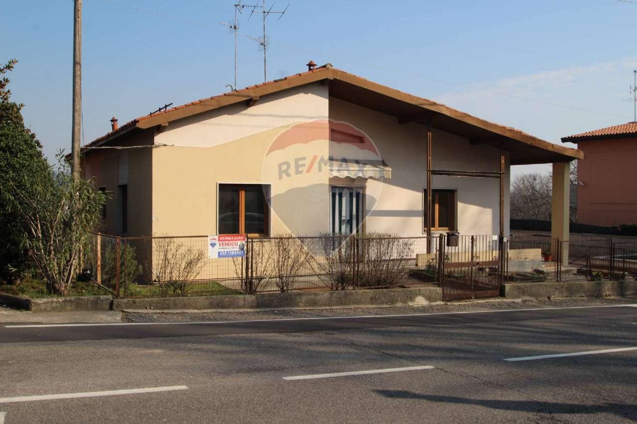 Villa Bifamiliare in vendita a Brembate di Sopra, 5 locali, prezzo € 115.000   PortaleAgenzieImmobiliari.it