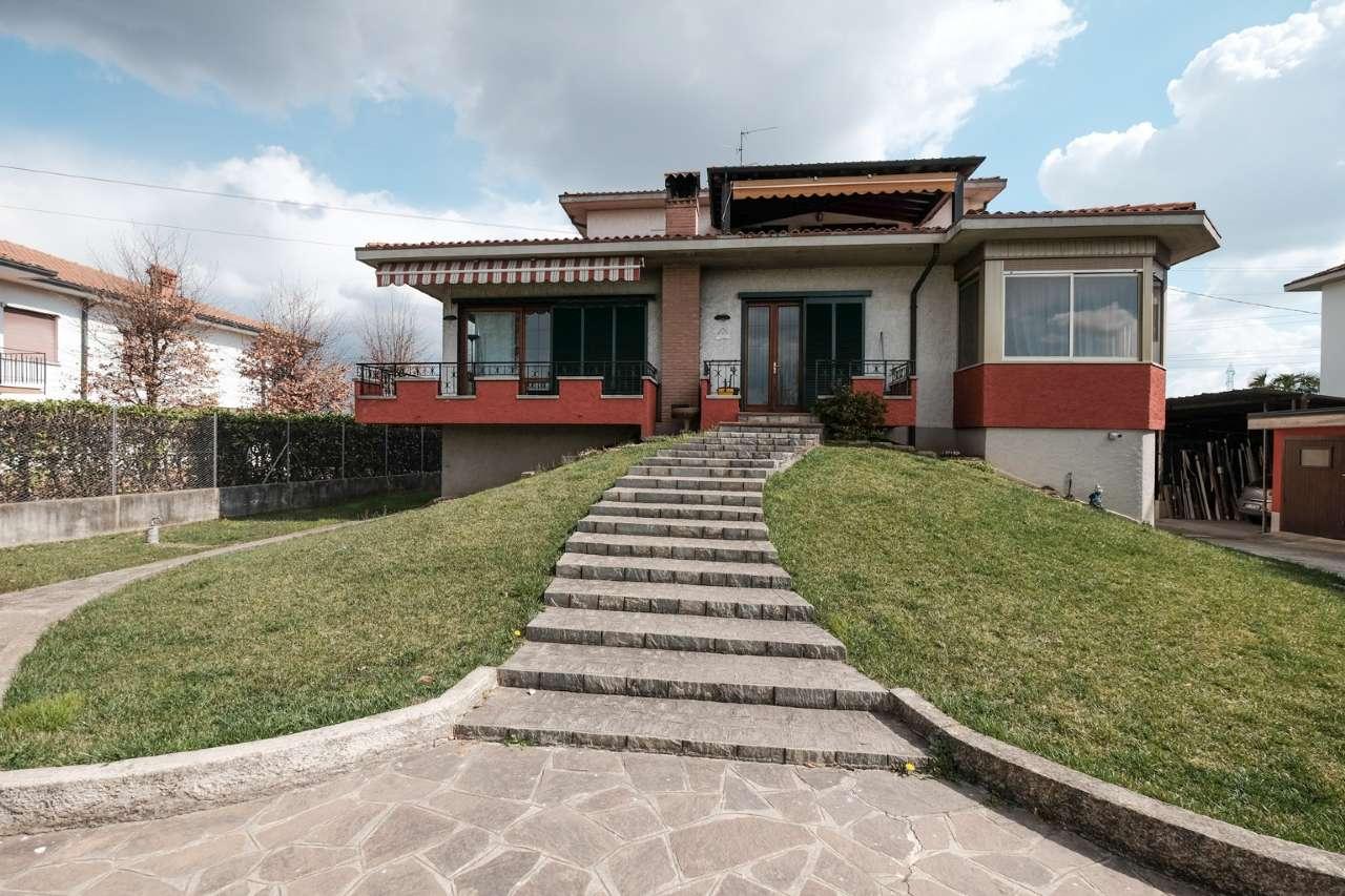 Villa Bifamiliare in vendita a Brembate, 4 locali, prezzo € 180.000 | PortaleAgenzieImmobiliari.it