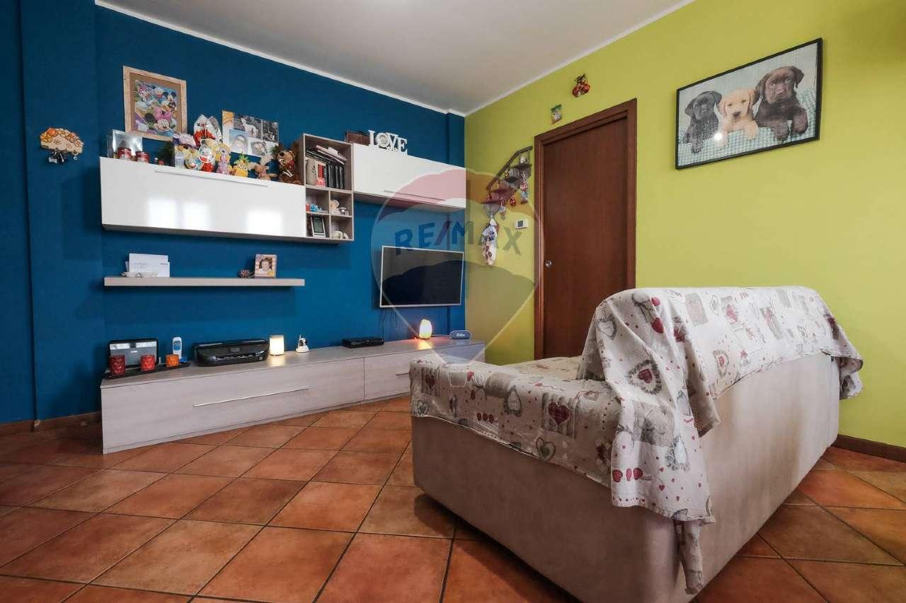Appartamento in vendita a Bonate Sopra, 2 locali, prezzo € 95.000   CambioCasa.it