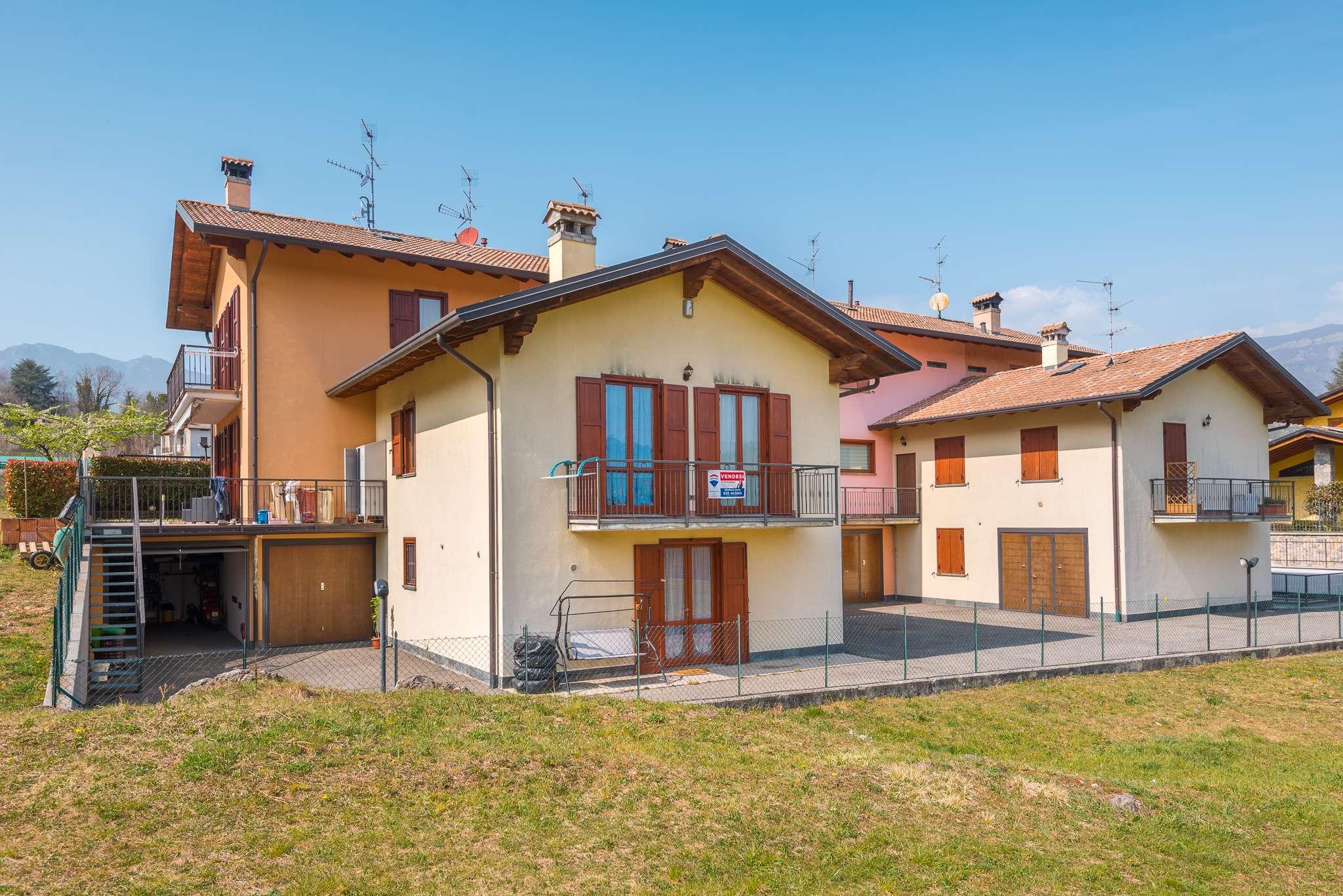 Appartamento in vendita a Sant'Omobono Terme, 4 locali, prezzo € 137.000   CambioCasa.it