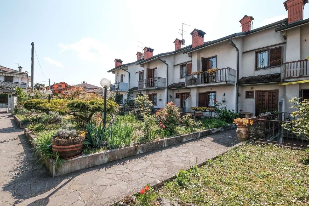 Villa a Schiera in Vendita a Madone