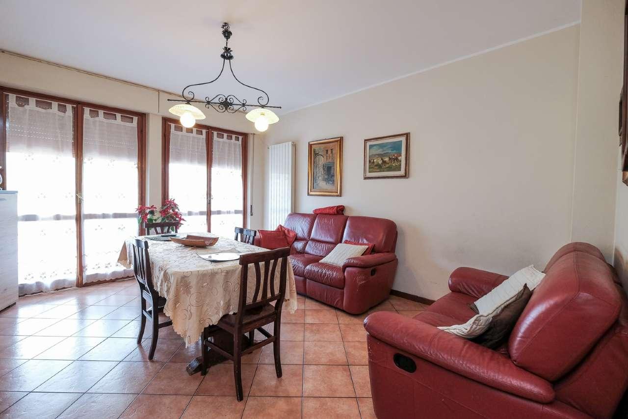 Appartamento in vendita a Caprino Bergamasco, 3 locali, prezzo € 85.000 | PortaleAgenzieImmobiliari.it