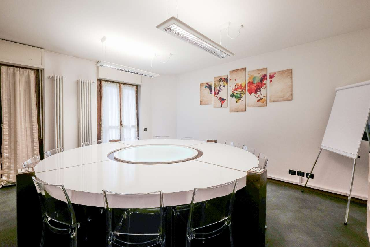 Ufficio / Studio in affitto a Bergamo, 5 locali, prezzo € 800 | CambioCasa.it