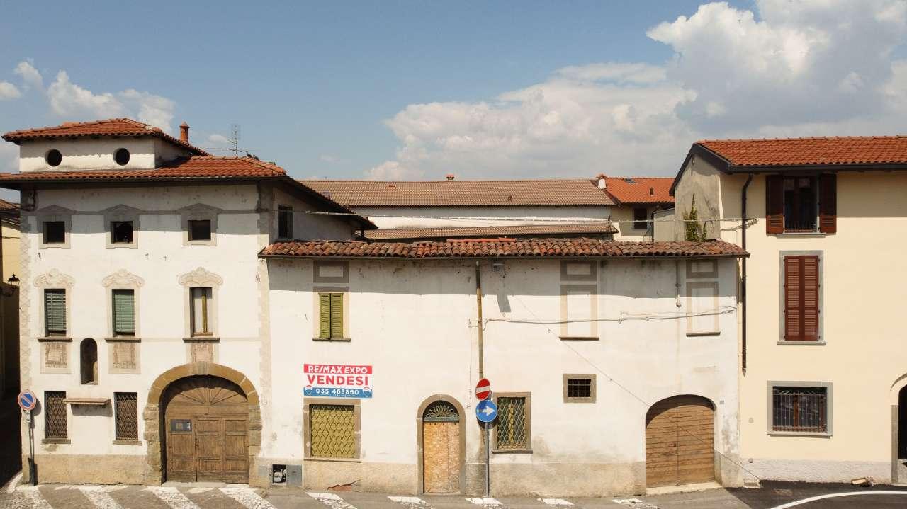 Appartamento in vendita a Medolago, 12 locali, prezzo € 380.000 | PortaleAgenzieImmobiliari.it