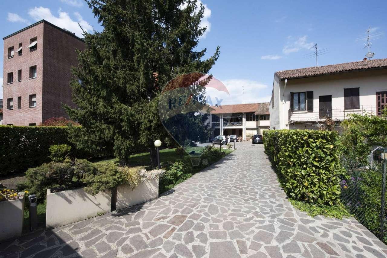 Soluzione Semindipendente in vendita a Treviglio, 12 locali, prezzo € 580.000   CambioCasa.it