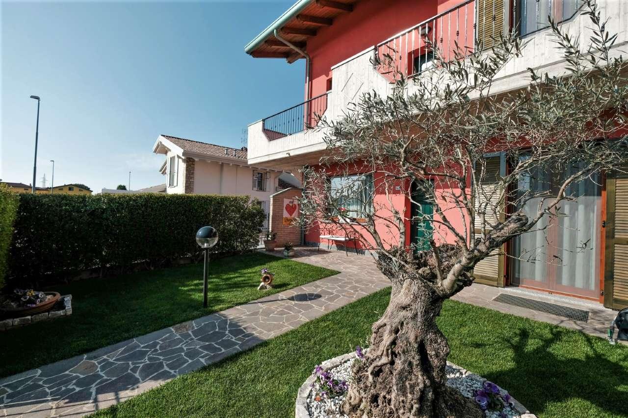 Appartamento in vendita a Chignolo d'Isola, 3 locali, prezzo € 215.000   CambioCasa.it