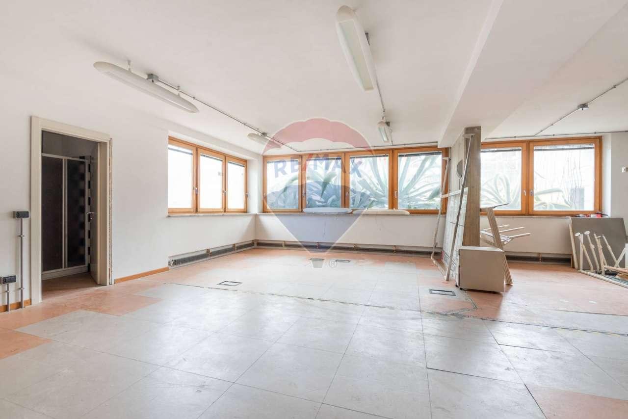 Ufficio / Studio in affitto a Brembate, 2 locali, prezzo € 700 | PortaleAgenzieImmobiliari.it