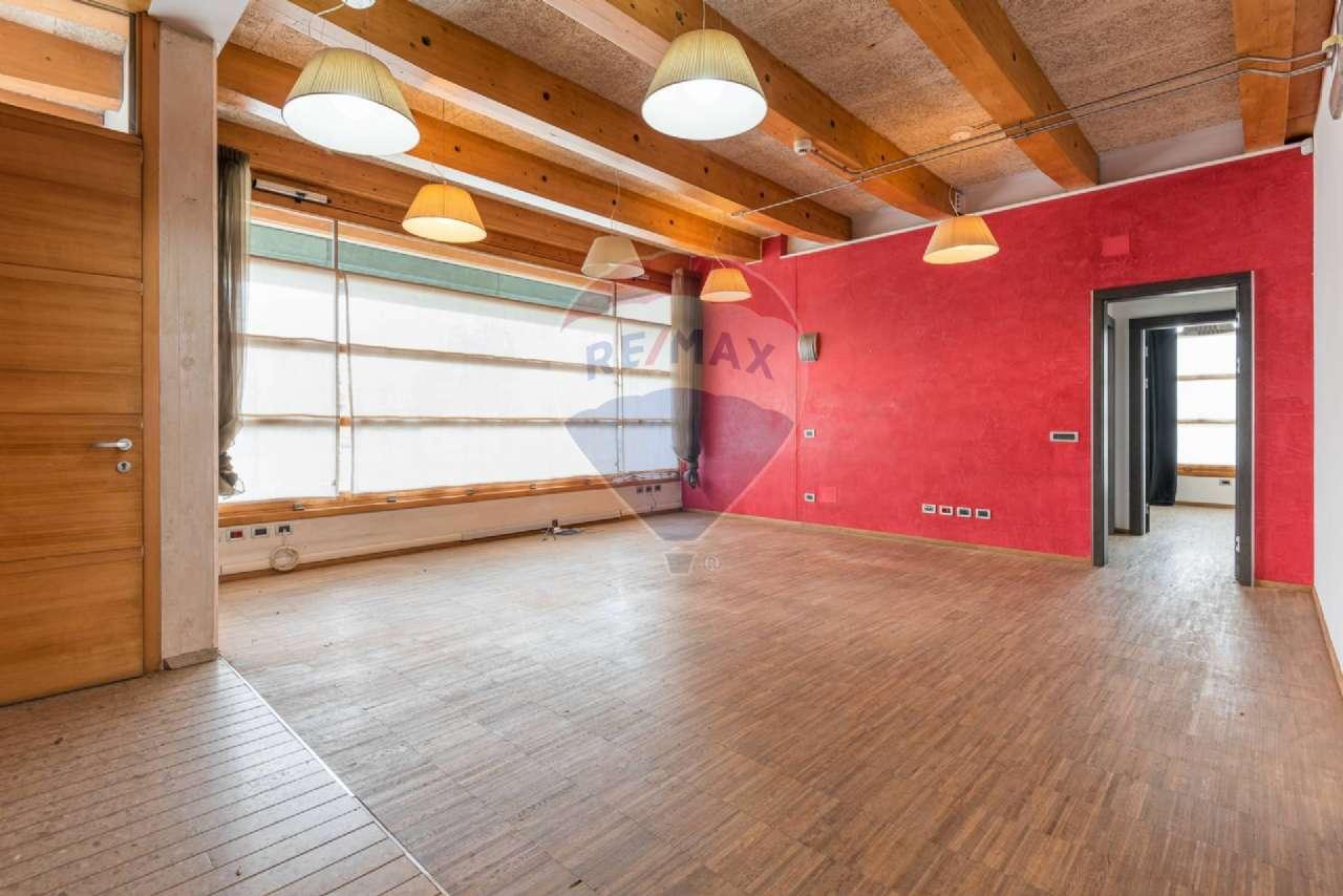 Ufficio / Studio in affitto a Brembate, 5 locali, prezzo € 1.335 | PortaleAgenzieImmobiliari.it