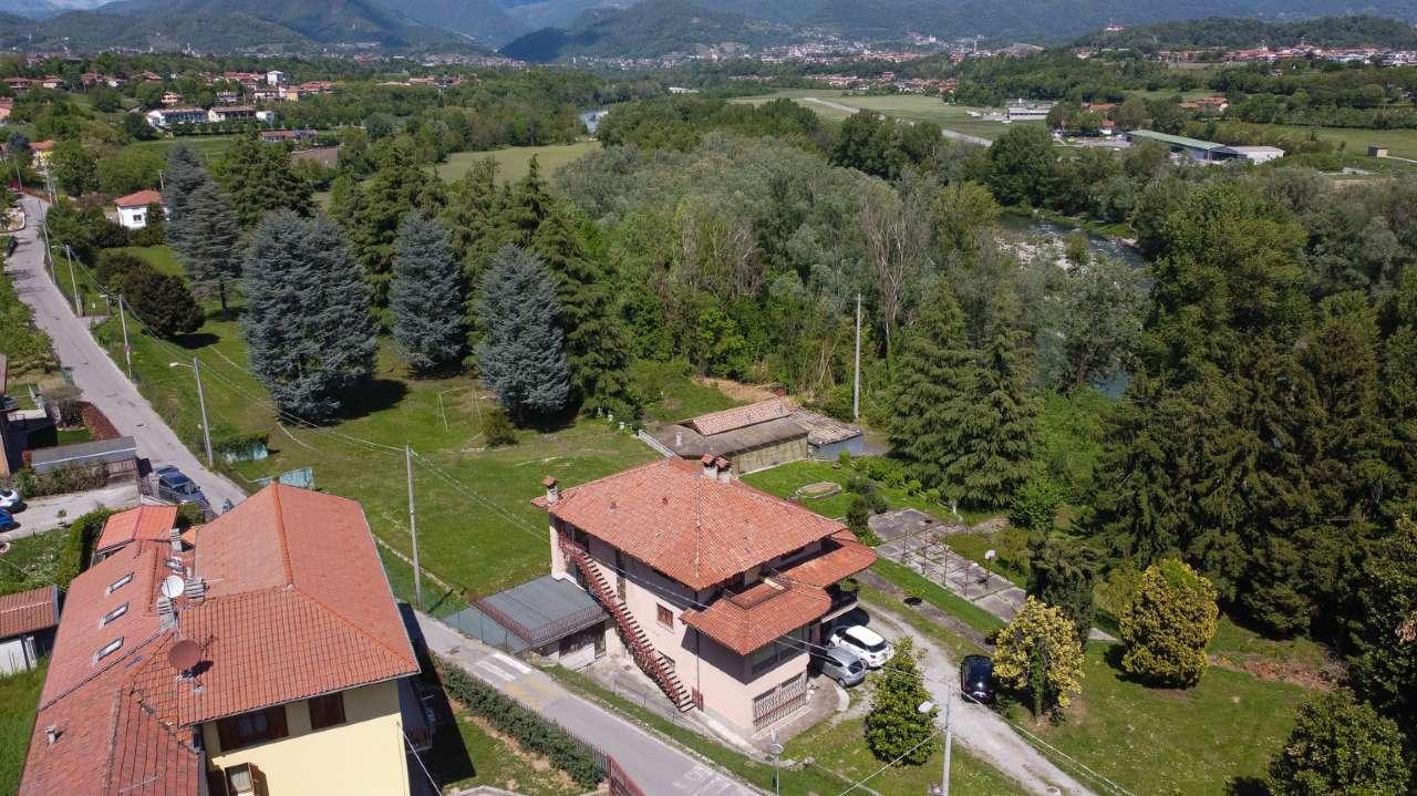 Villa in vendita a Brembate di Sopra, 6 locali, Trattative riservate | PortaleAgenzieImmobiliari.it