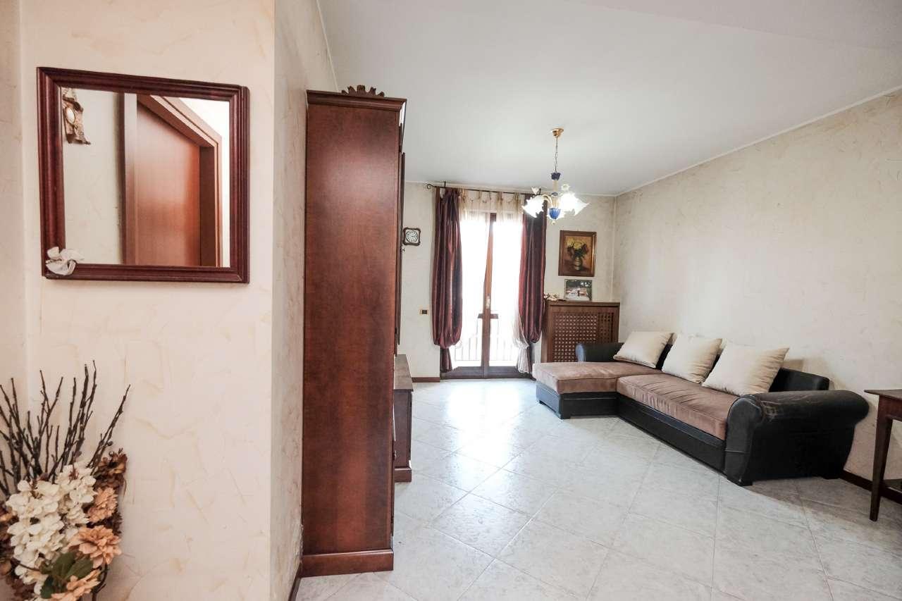 Appartamento in vendita a Brembate di Sopra, 3 locali, prezzo € 150.000 | PortaleAgenzieImmobiliari.it