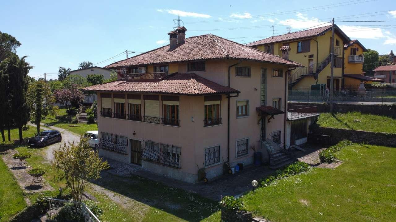 Villa in vendita a Brembate di Sopra, 10 locali, prezzo € 450.000 | PortaleAgenzieImmobiliari.it