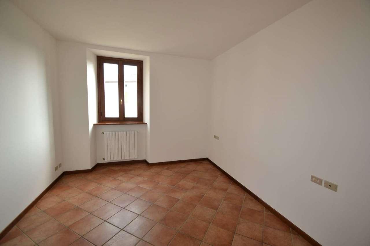 Appartamento in affitto a Almenno San Salvatore, 3 locali, prezzo € 350 | CambioCasa.it