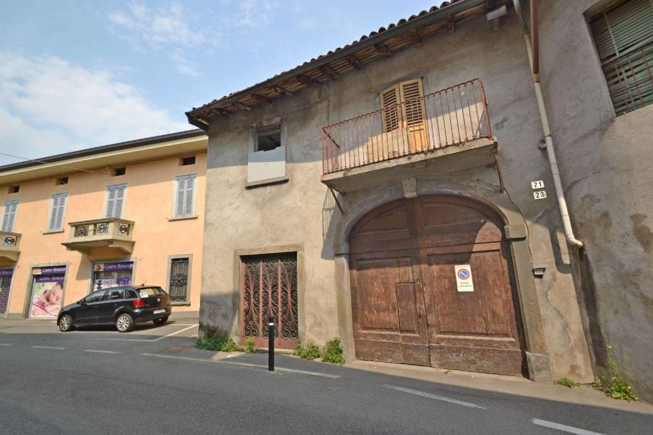 Rustico / Casale in vendita a Treviolo, 10 locali, prezzo € 120.000   PortaleAgenzieImmobiliari.it