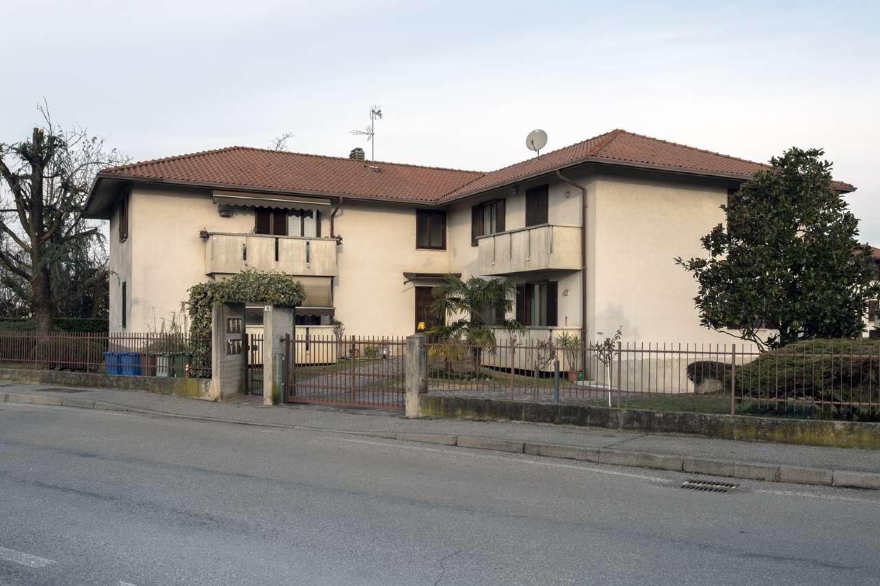 Appartamento in vendita a Boltiere, 3 locali, prezzo € 120.000 | PortaleAgenzieImmobiliari.it