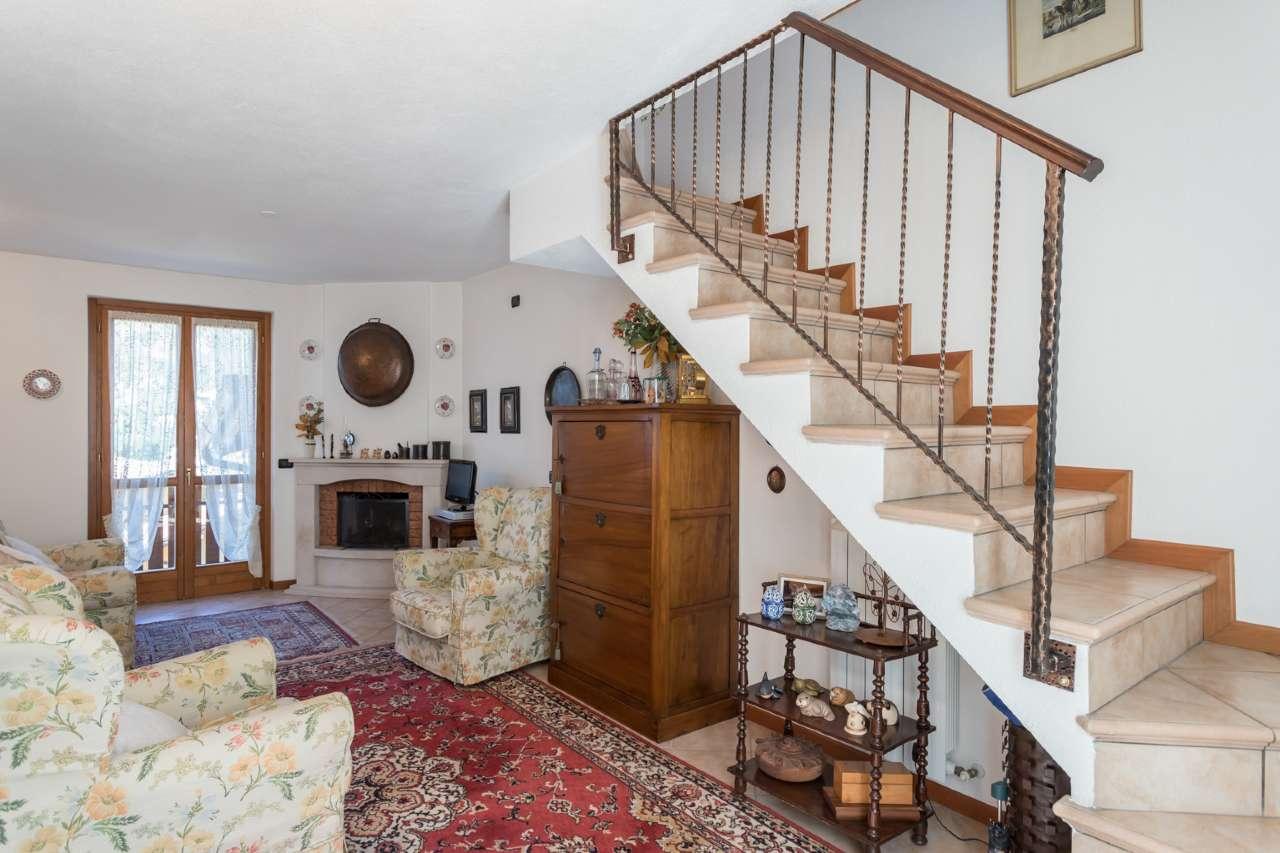 Appartamento in vendita a Selvino, 3 locali, prezzo € 165.000 | PortaleAgenzieImmobiliari.it