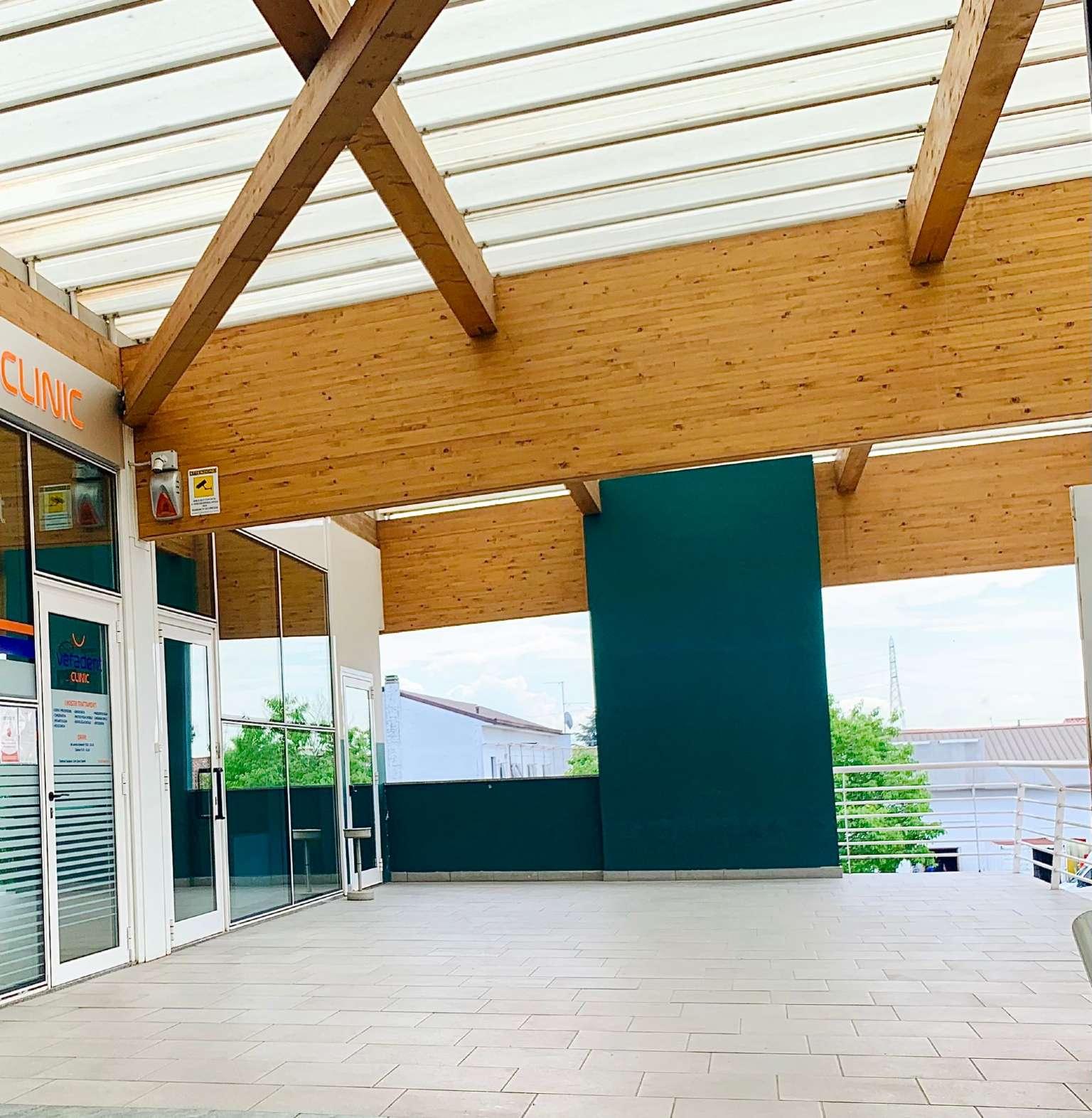 Ufficio / Studio in affitto a Bonate Sotto, 9999 locali, prezzo € 15.000 | CambioCasa.it