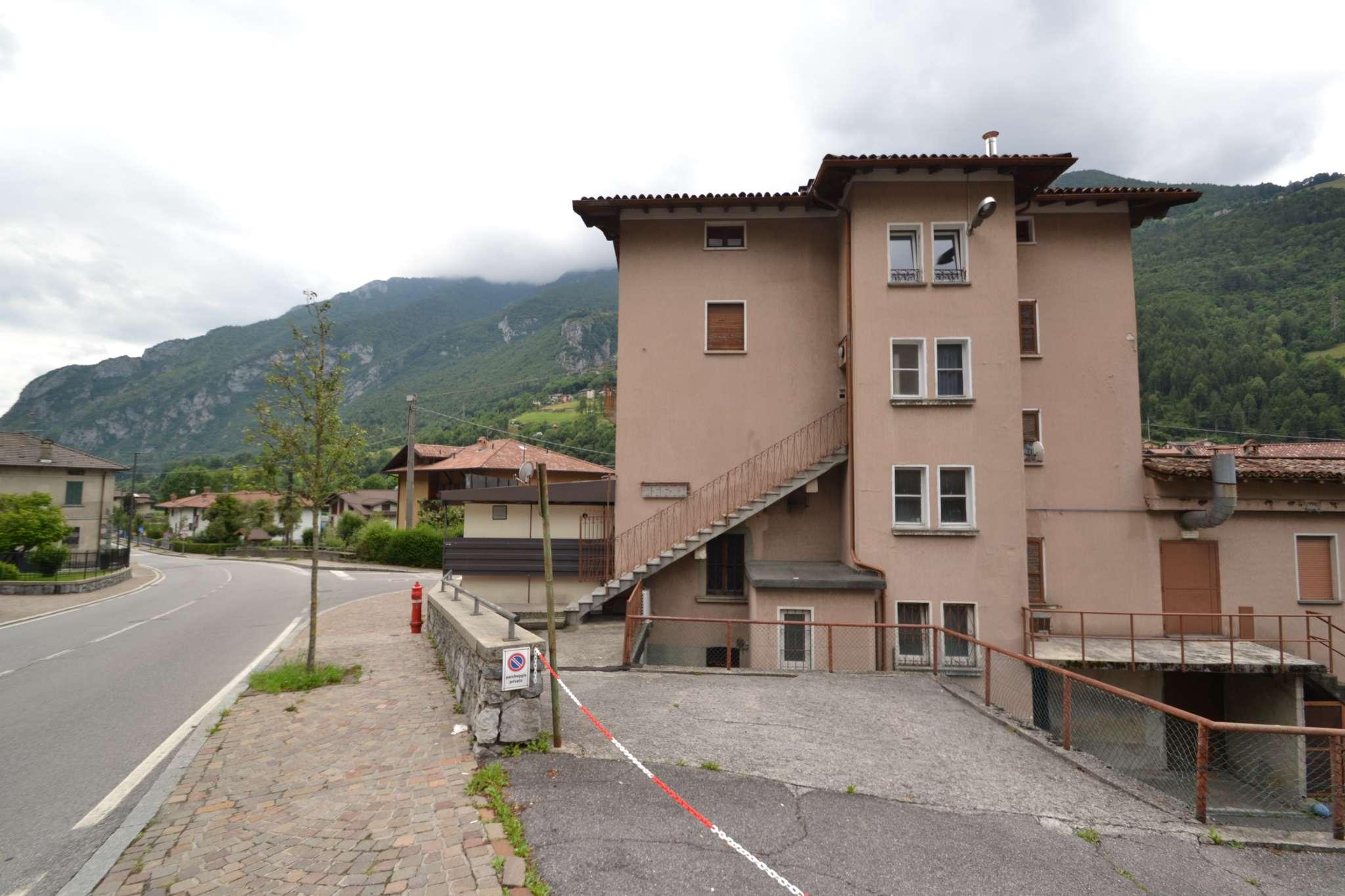 Immobile Commerciale in vendita a Ardesio, 4 locali, prezzo € 340.000 | PortaleAgenzieImmobiliari.it